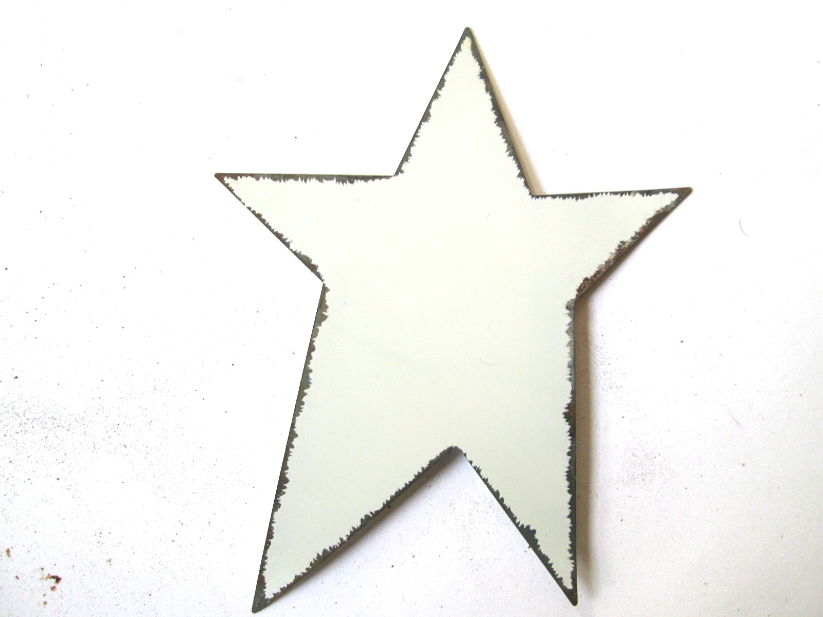 125mm White Painted Distressed Primitive Tin Star